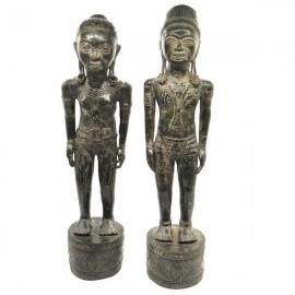 Esculturas primitive Borneo