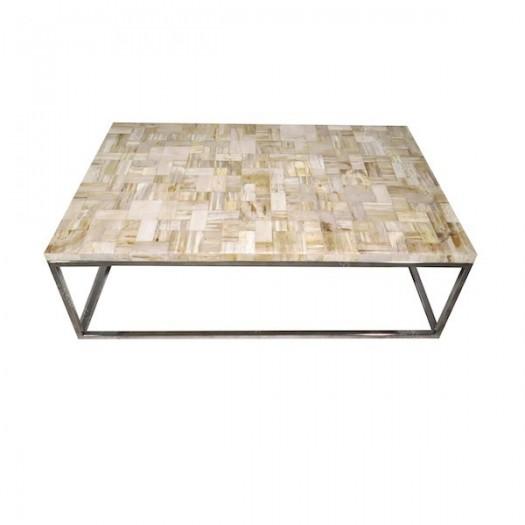 Mesa de madera fosilizada