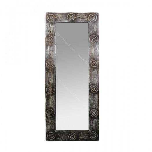 Espejo con marco tallado artesanalmente y con acabado for Espejos tallados
