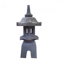 Lámpara oriental de piedra