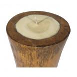 Vela en tronco de cocotero